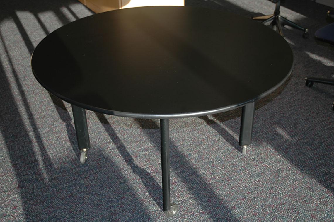 Knoll Durso Table