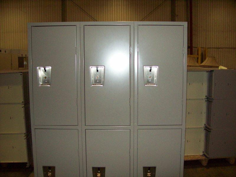 dr-grey-locker
